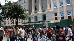 Manifestation dans les rues de Port-au-Prince, le 14 juin 2019.