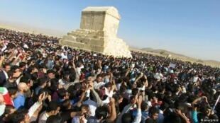روز هفتم آبان، روز بزرگداشت کوروش پادشاه هخامنشی است