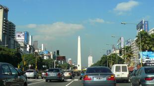 En Argentine, les banques automobiles battent des records. (Photo: avenue «9 de Julio», à Buenos Aires).