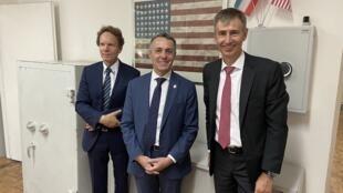 وزیر خارجه سوئیس (وسط)