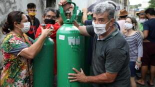 _3_HEALTH-CORONAVIRUS-BRAZIL - Oxygène