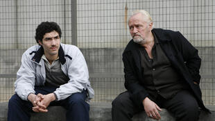 """Tahar Rahim (g) et Niels Arestrup dans """"Un prophète"""" de Jacques Audiard, qui remporte neuf Césars."""