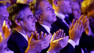 Скандалы, в которых замешаны два из трех главных кандидатов в президенты (Фийон и Ле Пен) бросили отблеск на весь французский политический класс