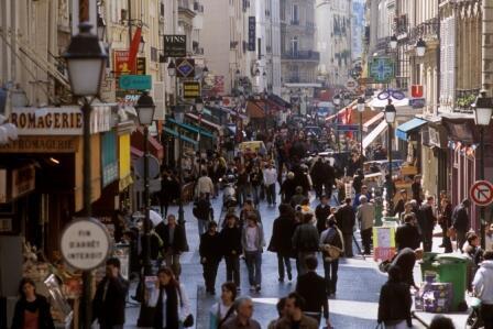 Números divulgados nesta quarta-feira, 14 de agosto de 2013, pelo instituto nacional de estatística indicam que a economia francesa voltou a crescer, mas os especialistas se perguntam se a tendência vai se confirmar nos próximos meses.