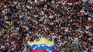 Manifestation contre le gouvernement du président Maduro dans les rues de Caracas, le 23 janvier 2019.