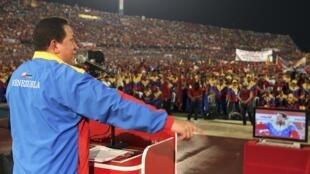 Le président vénézuélien Hugo Chavez a eu un discours de paix vis-à-vis de la Colombie, le 7 août 2010 à Maracaibo, le jour de l'investiture de Juan Manuel Santos.