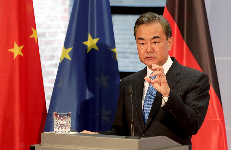 Le ministre des affaires étrangères Wang Yi lors d'une conférence de presse à Berlin en Allemagne, le 1er septembre 2020.