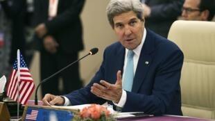 Ngoại trưởng Mỹ John Kerry trong Hội nghị ngoại trưởng Mỹ-Asean tại Naypyidaw, MiếnĐiện ngày 9/08/2014.