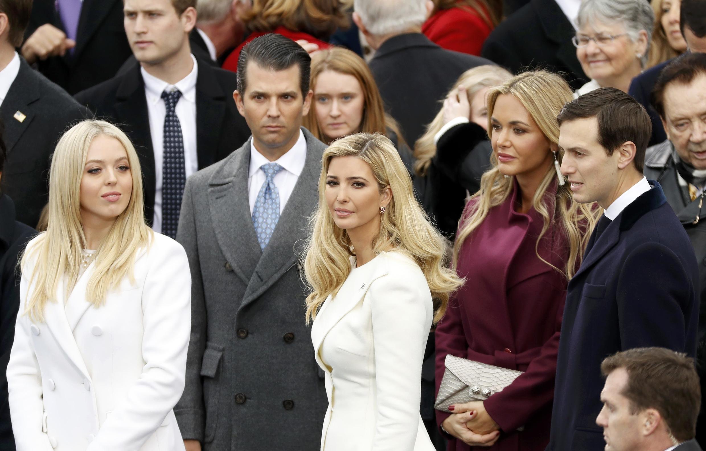 Các con, dâu và rể của Donald Trump trong lễ nhậm chức (từ trái sang): Tiffany, Donald Jr, Ivanka, Vanessa, Jared Kushner.