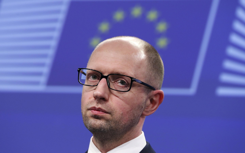 Арсений Яценюк на пресс-конференции в Еврокомиссии в Брюсселе 13/05/2014 (архив)