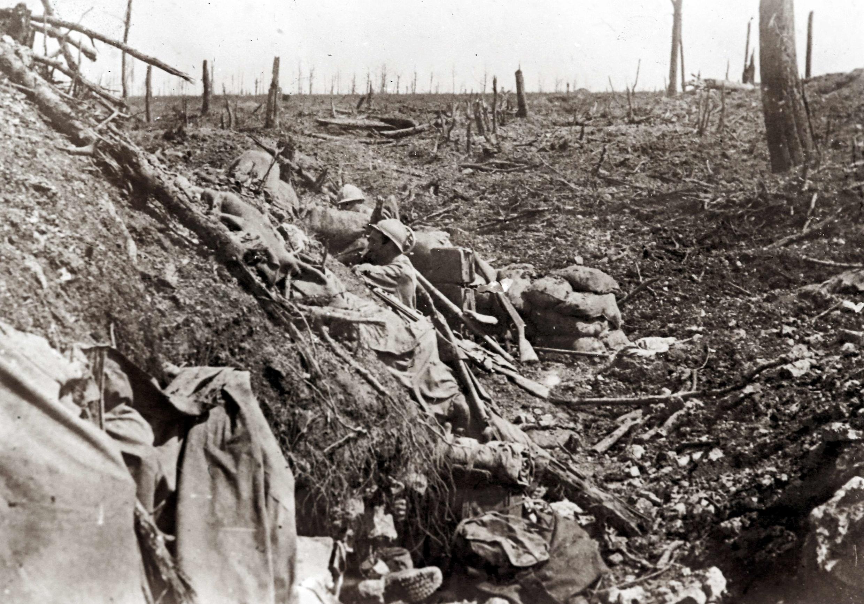 Французский солдат в «траншее смерти», Верден, архивная фотография, автор неизвестен.