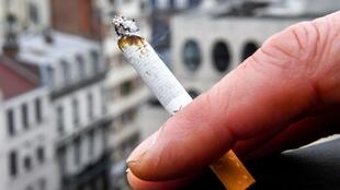 2020-05-13 france health smoking cigarette