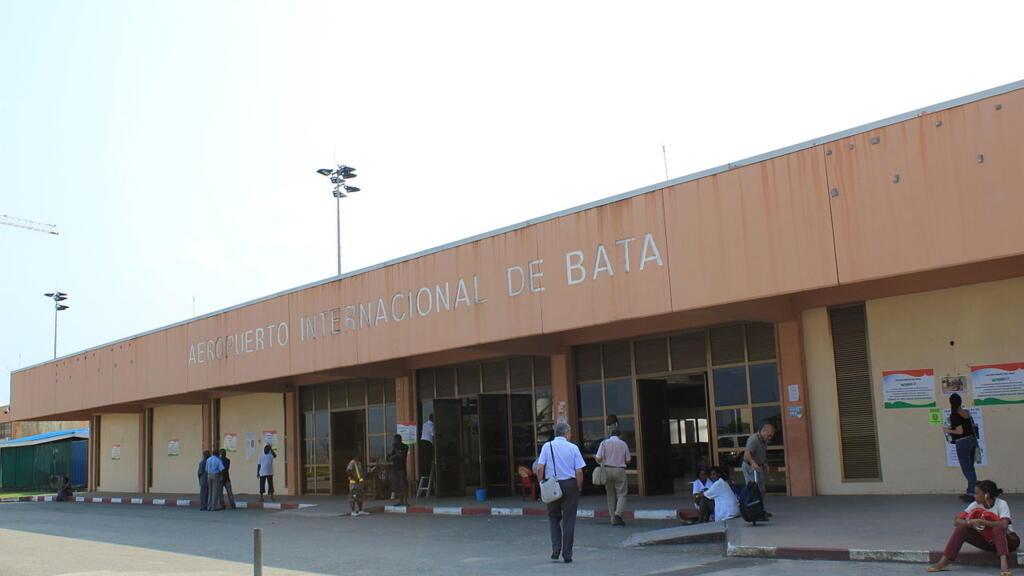Guinée équatoriale: les six militaires retenus dans un aéroport libérés, Paris s'excuse