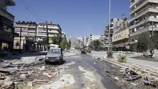 Une rue vide dans le quartier de Salah Eddine à la suite des affrontements entre les combattants libres armée syrienne et soldats de l'armée syrienne dans le centre d'Alep, le 8 août 2012.