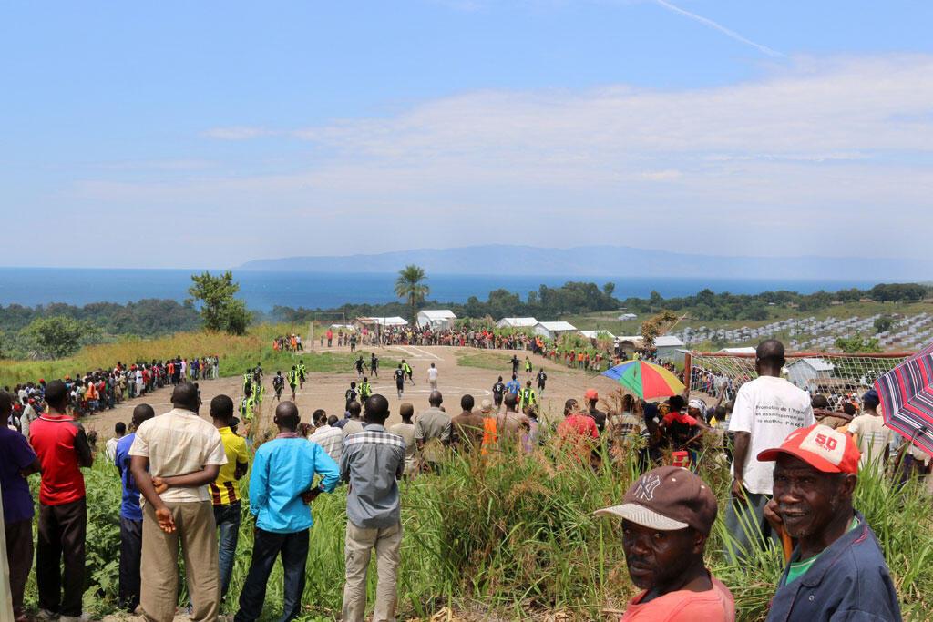 Le tournoi de football au camp Lusenda.