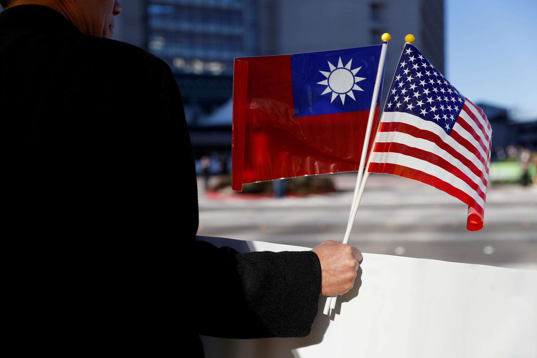 2020-11-22T210646Z_1609559972_RC2L8K922VV7_RTRMADP_3_TAIWAN-USA