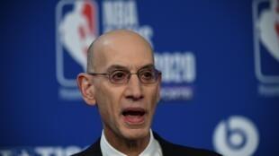 Le commissaire de la NBA, Adam Silver, en conférence de presse à Paris, le 24 janvier 2020