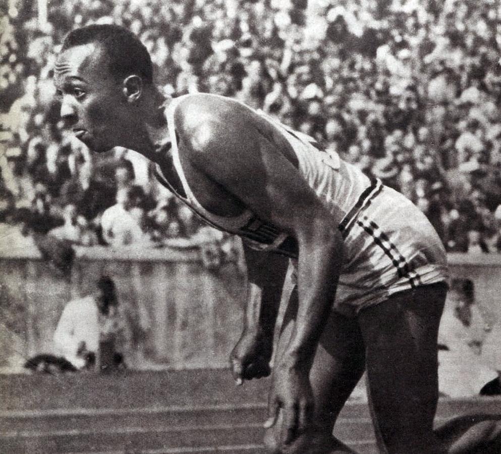 Vận động viên điền kinh Jesse Owens tại Thế Vận Hội Berlin 1936.