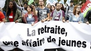 A Paris, entre 15 000 et 50 000 personnes ont manifesté, selon la police et  les organisateurs et, parmi eux, de nombreux jeunes.