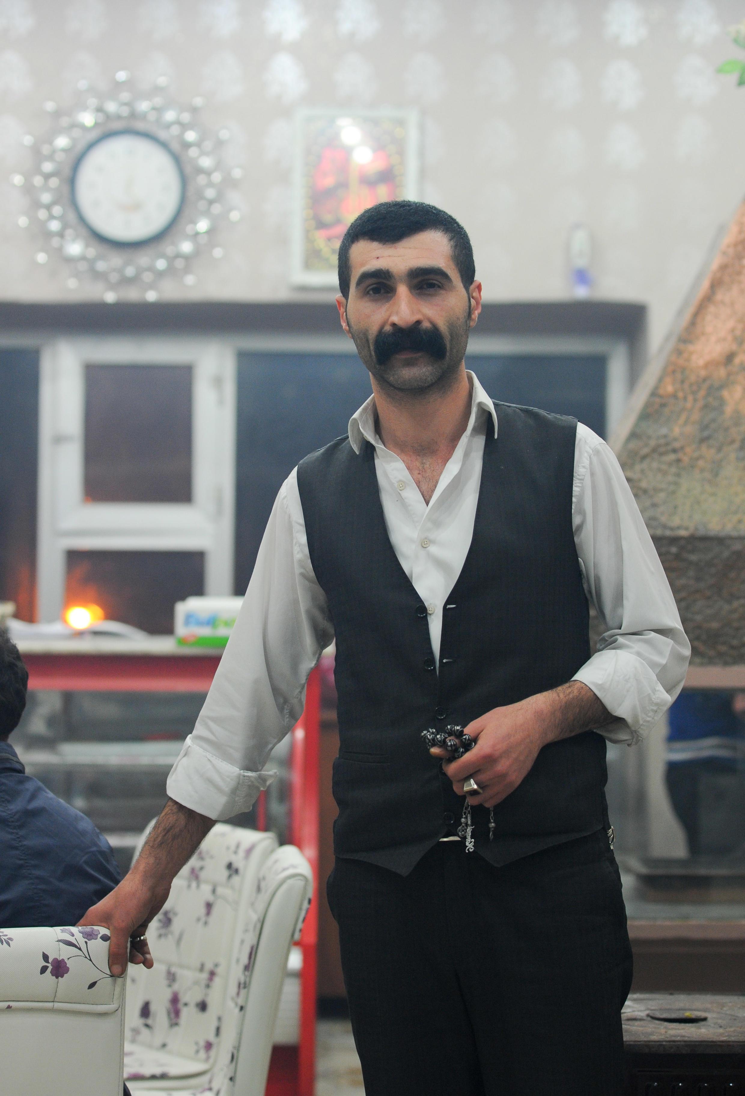 27-летний Мурад Газнедар называет себя искателем подземных культур. Битлис. Турция. 30 марта 2015 год
