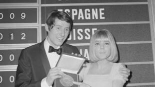 Nữ ca sĩ Pháp France Gall tại giải Grand Prix Eurovision tổ chức ở Luxembourg. Ảnh chụp ngày 06/03/1966.