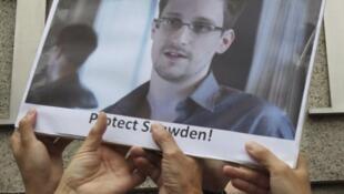Manifestação de apoio a Edward Snowden, ex-consultor da CIA que revelou amplo esquema de espionagem do governo Obama nas telecomunicações.