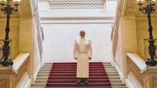 """法國3星米其林名廚廚師季薩瓦(Guy Savoy)在""""巴黎鑄幣廠""""餐廳"""