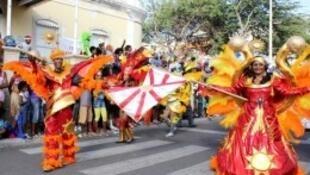"""Bloco """"Monte Sossego"""" primeiro prémio do Carnaval do Mindelo 2014, imagem do noticiasdonorte com a devida vénia"""