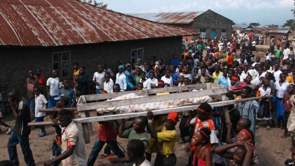 Mwili mtu aliyeuawa katika shambulizi la waasi wa Allied Democratic Forces (ADF) Beni Aprili 16, 2015.