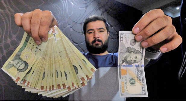 امواج روانی حاصل از تهدیدهای تحریمی آمریکا، اقتصاد ایران را به شدت دچار آشفتگی کرده است.