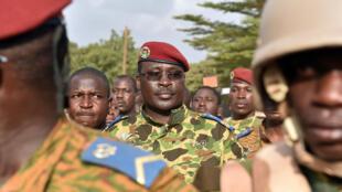 Quel a été le rôle du lieutenant-colonel Yacouba Isaac Zida, ici le 31 octobre 2014, dans la répression de l'insurrection populaire ?