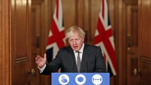 Thủ tướng Anh trong một cuộc họp báo tháng 12/2020 tại trụ sở chính phủ : Ảnh minh họa.