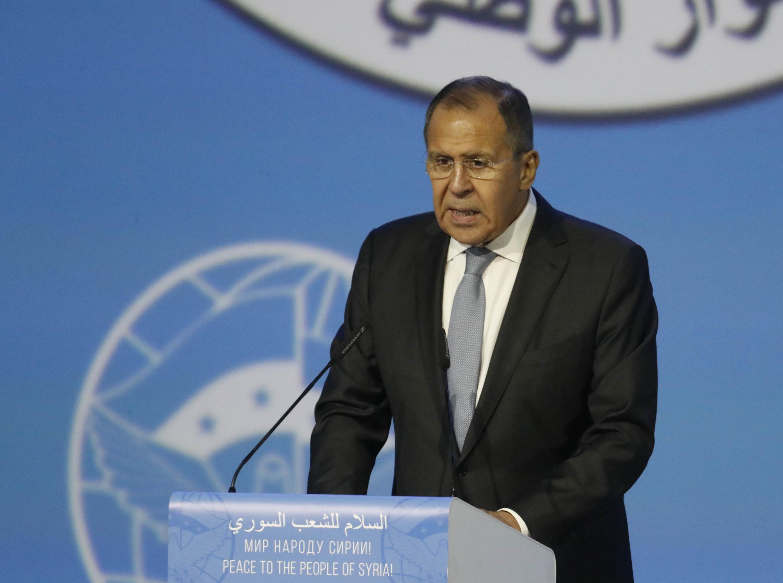 O chefe da diplomacia russa, Serguei Lavrov foi interrompido durante o seu discurso hoje em Sotchi.
