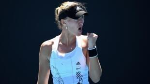 La Française Kristina Mladenovic lors de son match victorieux contre la Grecque Maria Sakkar, à l'Open d'Australie, le 9 février 2021 à Melbourne