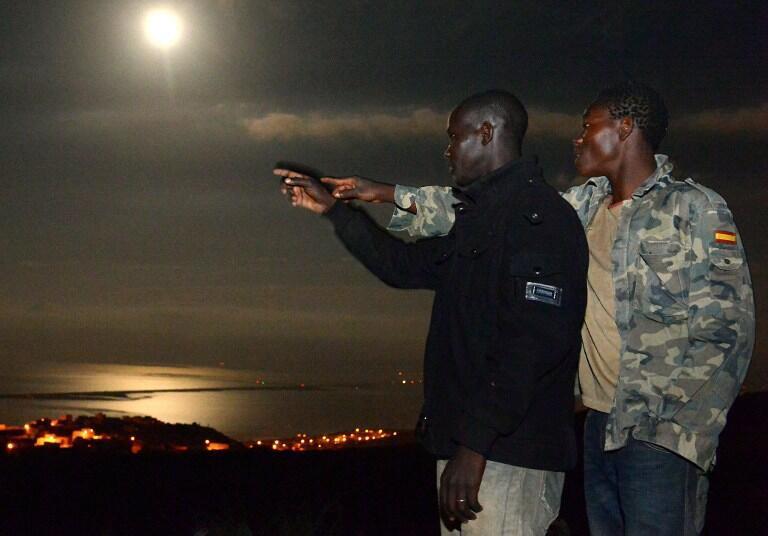 Wahamiaji wa Afrika wakiwa kaika fukwe ya Morocco