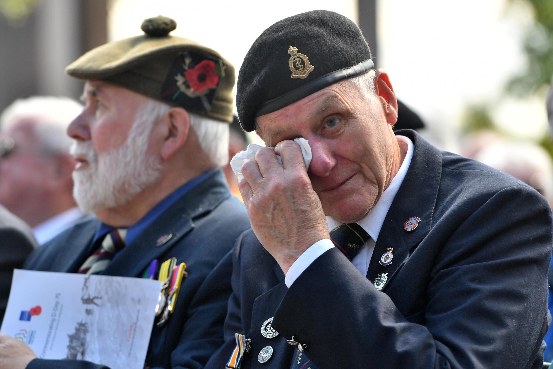Ветеран на церемонии в Кольвиль-сюр-Мер 6 июня 2019