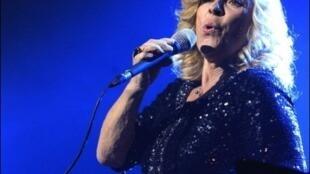 Nicoletta ăn mừng 50 năm sự nghiệp ca hát.