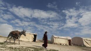Tendas erguidas por palestinos em área perto de Jerusalém designada pelas autoridades israelenses para a construção de um novo assentamento.