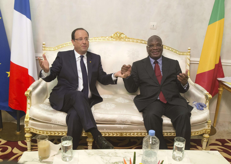 French President François Hollande (L) and Mali's Ibrahim Boubacar Keïta in Bamako earlier this month