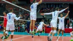 A selecção de voleibol francesa disputa amanhã as meias finais com o Brasil