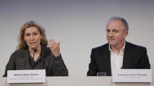 François Pinault, PDG de la société de luxe Kering  en conférence de presse avec Marie-Claire Daveu, directrice du développement durable et des affaires institutionneles internationales du groupe