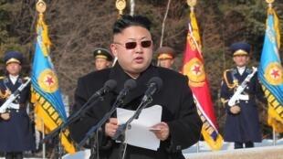 金正恩對朝鮮人民軍講話(未注講話日期)朝中社2014年4月2日在平壤提供照片。