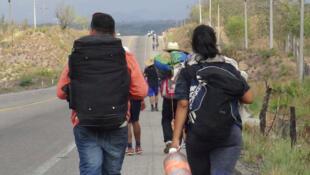 Di dân từ Trung Mỹ tại Ixtepec, Oaxaca, Mêhicô, trước khi tìm đường sang Hoa Kỳ.