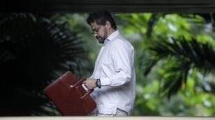 Le négociateur en chef des FARC, Ivan Marquez, arrive aux négociations de paix de La Havane, à Cuba, le 16 janvier 2013.