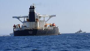 Tàu chở dầu Grace 1 bị tình nghi chuyên chở dầu thô của Iran qua Syria. Ảnh chụp gần Gibraltar, Tây Ban Nha ngày 04/07/2019.