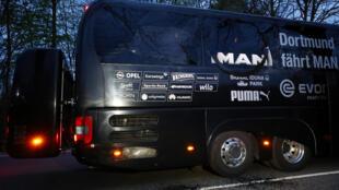 Ônibus de Borussia Dortmund após a explosão