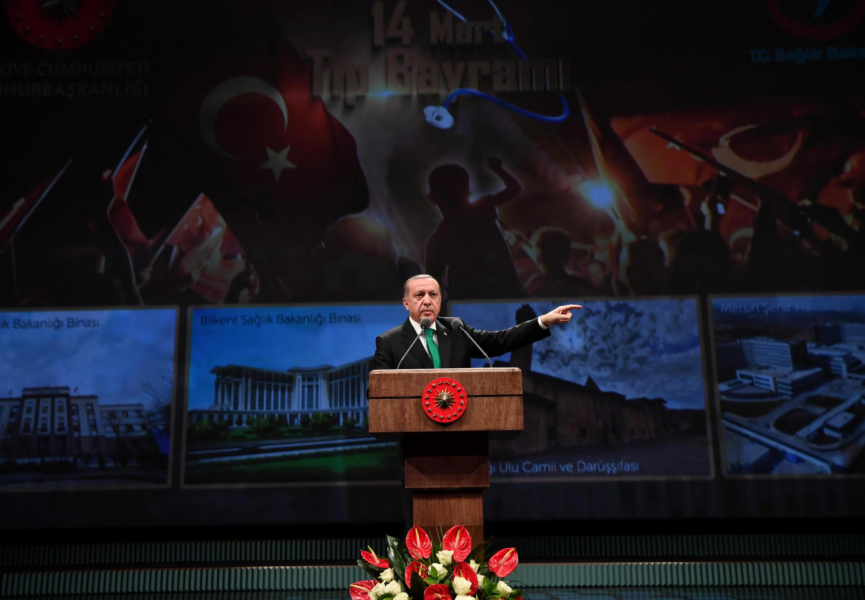 O presidente turco Recep Tayyp Erdogan durante um discurso nesta terça-feira