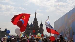 En 2014 à Moscou, défilé sur la Place Rouge pour la première fois depuis la fin de l'URSS en 1991.