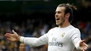 Dan wasan gaba na Real Madrid Gareth Bale da yanzu haka ke Tottenham a matsayin aro.