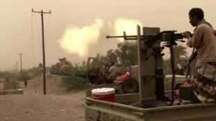 نیروهای ارتش یمن در نزدیکی فرودگاه بندر حدیده